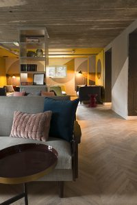 LR Lounge 40x26